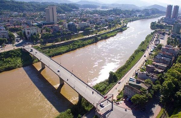Cầu nối Việt Nam - Trung Quốc