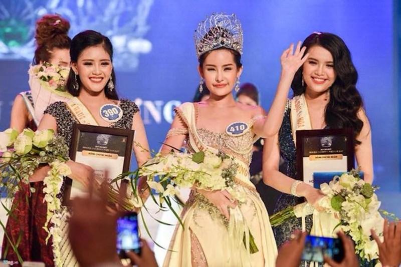 Lê Âu Ngân Anh giây phút đăng quang Hoa hậu đại dương