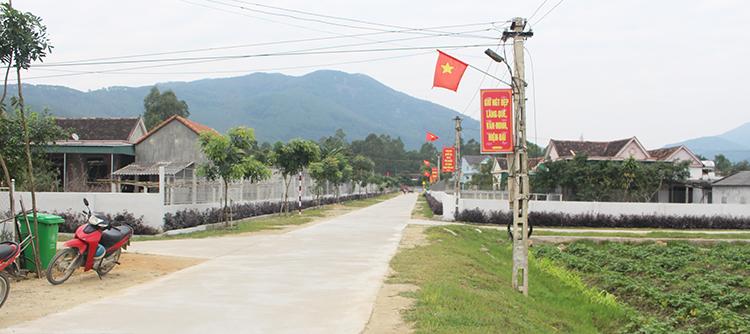Những tuyến đường bê tông hóa, xanh, sạch, đẹp nhờ phong trào xây dựng nông thôn mới.