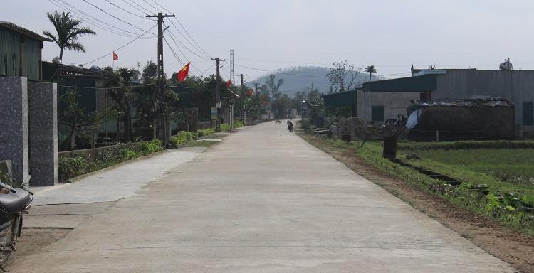 Đường làng, ngõ xóm thoáng đãng, xanh, sạch, đẹp.