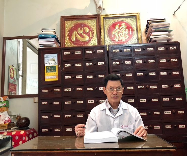 Lương y Nguyễn Quang Bình – Phó Giám đốc Trung tâm.