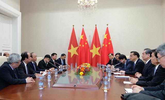 Cuộc gặp gỡ giữa hai Thủ tướng tại Campuchia ngày 10/1 (ảnh: VGP)