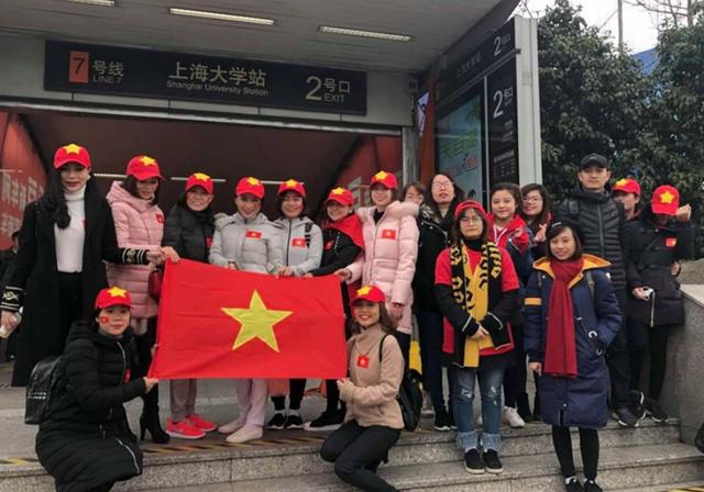 Cổ động viên Việt Nam đã sẵn sàng cho trận chung kết của U23 Việt Nam