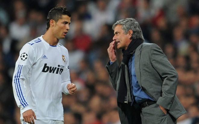 Ronaldo chuẩn bị tái ngộ ông thầy mà anh rất không ưa Jose Mourinho