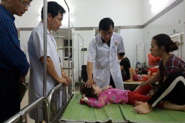 188 trẻ mầm non ở Hà Nội nhập viện sau bữa liên hoan