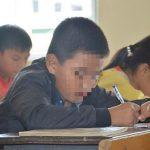 Bệnh thành tích đang 'nghiền nát' giáo dục