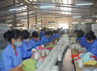 """Quảng Ninh: Muôn kiểu """"giữ chân"""" lao động sau Tết"""