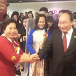 """Doanh nhân, cựu chiến binh Phan Thị Mỹ Dung CTHĐQT Công ty CP Phát triển giáo dục và Đầu tư quốc tế (HTQT) """"Đại sứ"""" kết nối những nhịp cầu tri thức"""