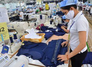 Sản xuất công nghiệp gặp khó