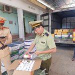 """Ngăn chặn 12.300 sản phẩm thuốc bảo vệ thực vật nhập lậu đang """"trên đường"""" về Hà Nội"""