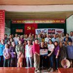 Tạp chí Văn hóa Doanh nghiệp Việt Nam phối hợp các doanh nghiệp trao hơn 100 triệu đồng cho đồng bào vùng lũ