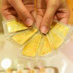 Giá vàng lao dốc, giảm cả triệu đồng/lượng