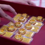 Giá vàng trong nước chịu áp lực giảm trở lại