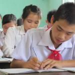 Hà Nội: Học sinh nhận phiếu đăng ký dự tuyển lớp 10