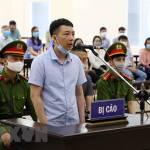 """Vụ buôn lậu tại Công ty Nhật Cường: Các bị cáo khai làm theo chỉ đạo của """"ông chủ"""" Bùi Quang Huy"""