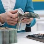 'Cấp cứu' dòng tiền, đẩy mạnh bảo lãnh tín dụng để 'trợ thở' cho doanh nghiệp vượt COVID-19