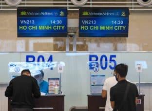 Hà Nội thêm ca dương tính từ các tỉnh phía nam về bằng máy bay