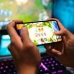 Học online ở nhà, con tôi thành game thủ mất rồi