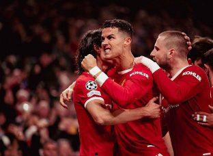 Ronaldo lại hóa người hùng giúp MU ngược dòng kinh điển trước Atalanta